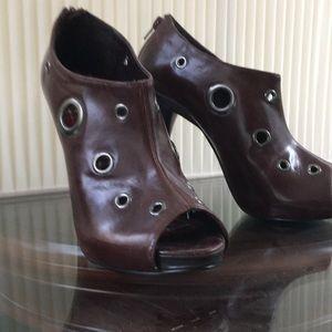 EUC, Michael Antonio heels